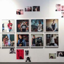 """Exposition """"les Equilibristes"""" de Caroline Pottier au Pavillon Carré de Baudouin pour la rétrospective du Bar Floréal à l'été 2016."""